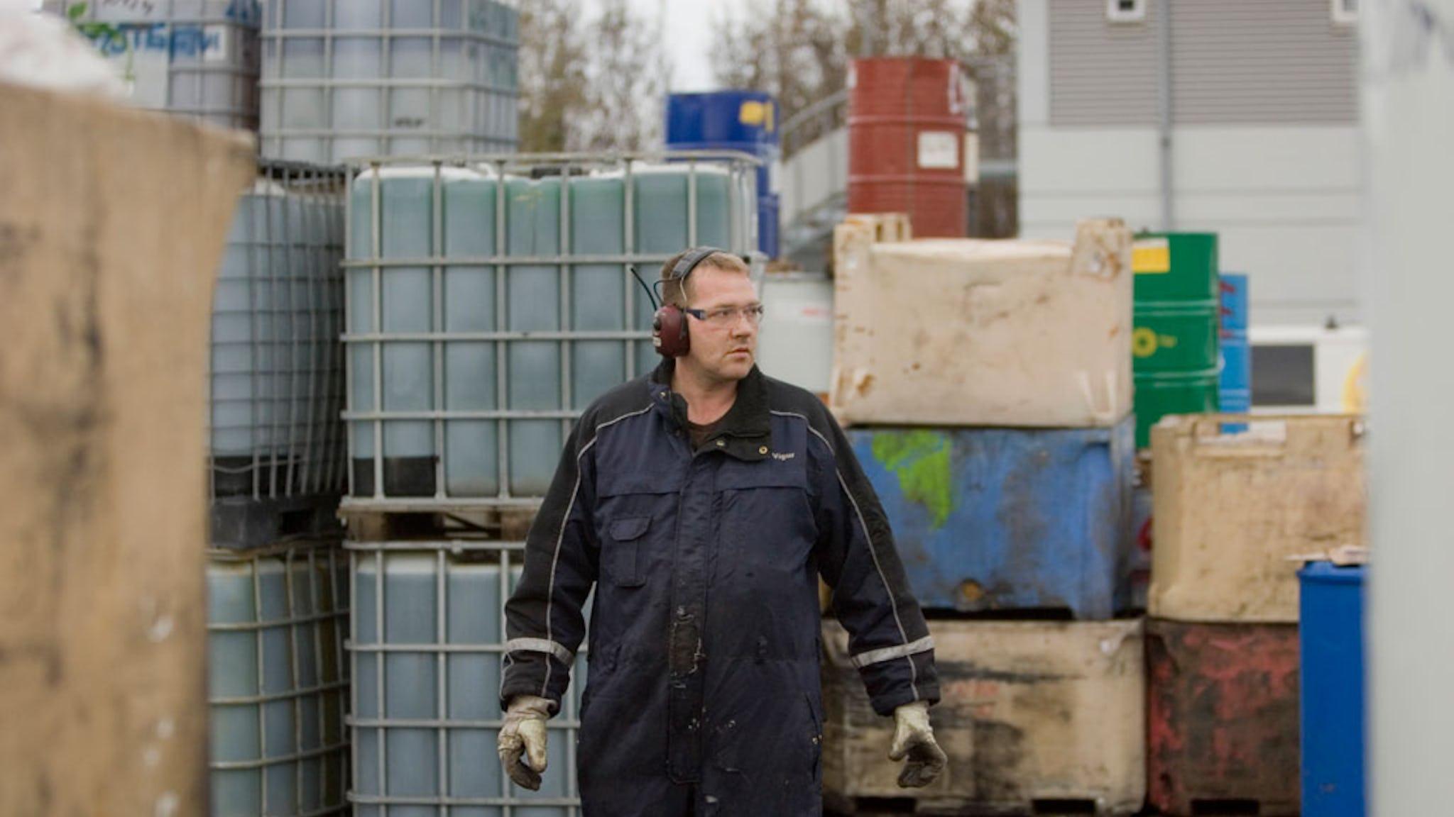 –Före krisen fick vi lokala lönepåslag, nu får vi bara vad det centrala avtalet ger, säger Ingvar Vigar. Men vi har haft tur, ingen här på återvinningsföretaget har sagts upp.