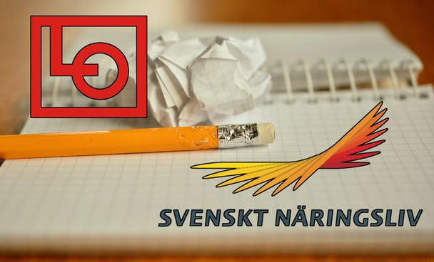 Parternas loggor monterade över en bild på ett skrivblock och en penna