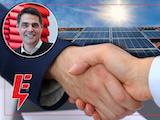 En bild på Mikael Pettersson monterad över två händer som skakar hand över en bakgrund av solpaneler och en solig himmel. Loggorna för Elektrikerna och Installatörsföretagen är monterade över bilden.