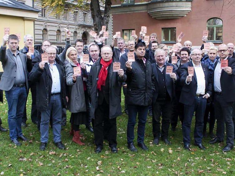 Nordiska bygg- och träfacken ger FIFA rött kort. Foto: Byggnadsarbetaren