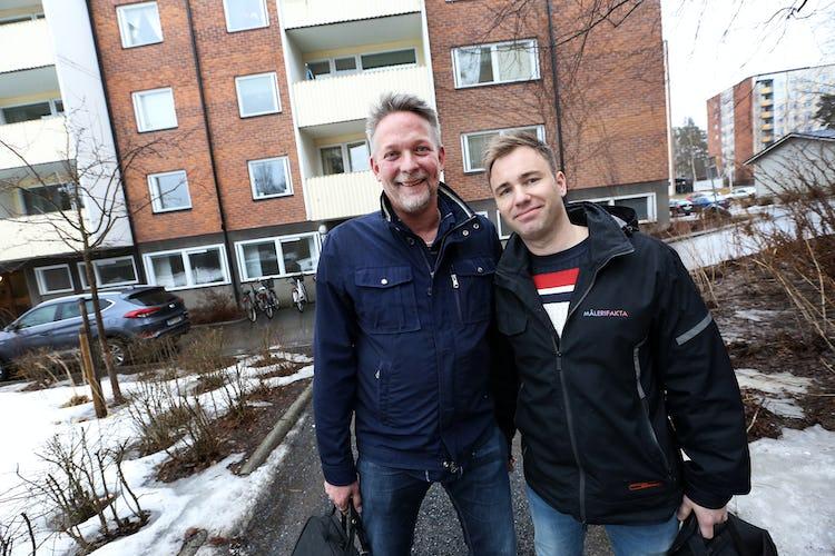Mätarna Peter Holmberg och Ronny Eriksson utgår från Umeå men arbetar i södra Västerbotten samt Örnsköldsvik, Kramfors och Sollefteå. Foto: Tomas Nyberg